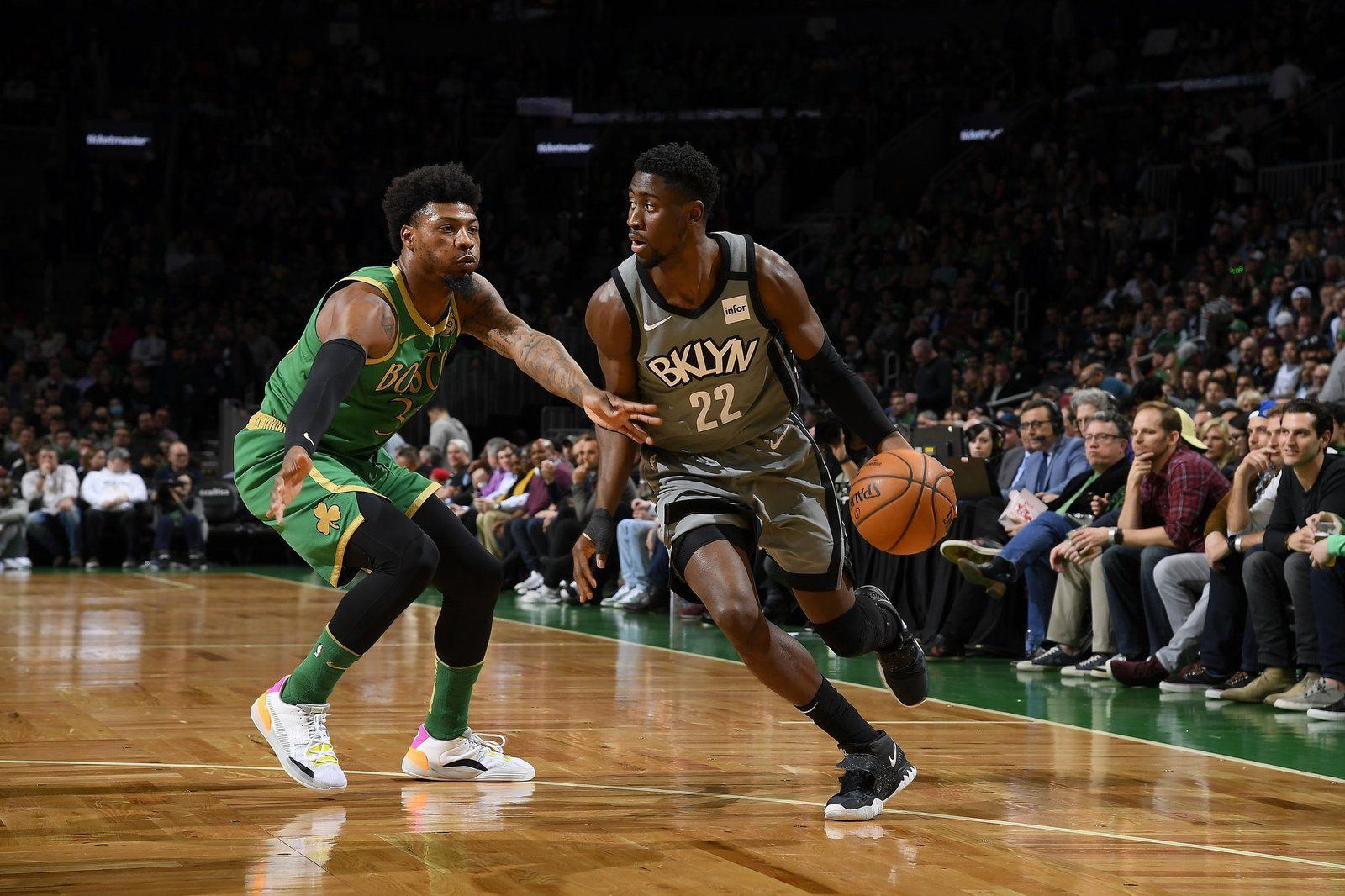 Caris LeVert marche sur Boston en inscrivant 51 points, Denver surpris par les Warriors, les Lakers dominent Philadelphie