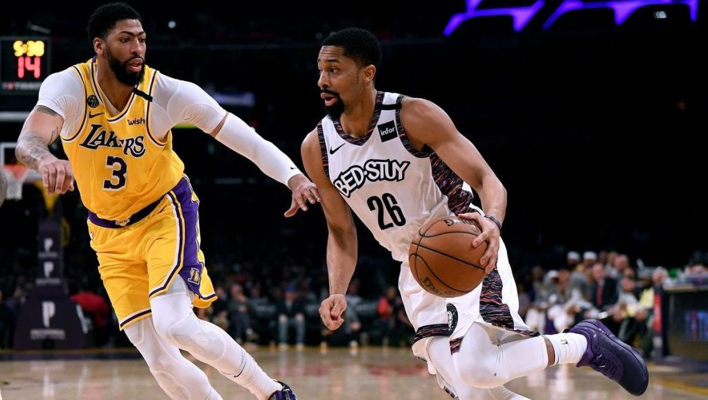 Les Lakers piégés au Staples Center par les Nets
