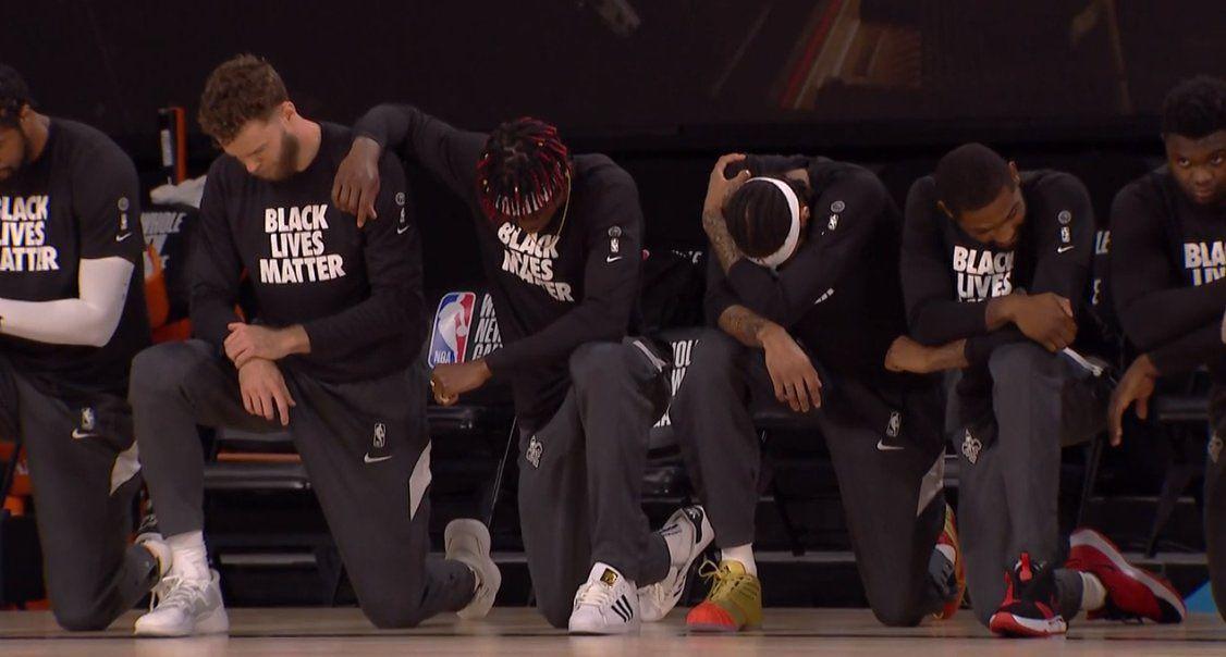La NBA est repartie, genoux à terre et avec quelques messages à faire passer