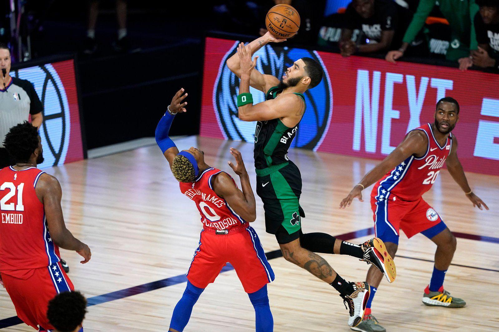 Emmenés par Brown (29 pts) et Tatum (32 pts et 13 rebonds), les Celtics ont pris le meilleur sur Philadelphie (109-101) et Embiid (26 pts). Seul bémol de la soirée, la blessure de Gordon Hayward.