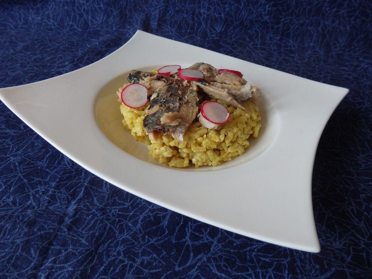Risotto au curcuma, purée de citron confit et sardine
