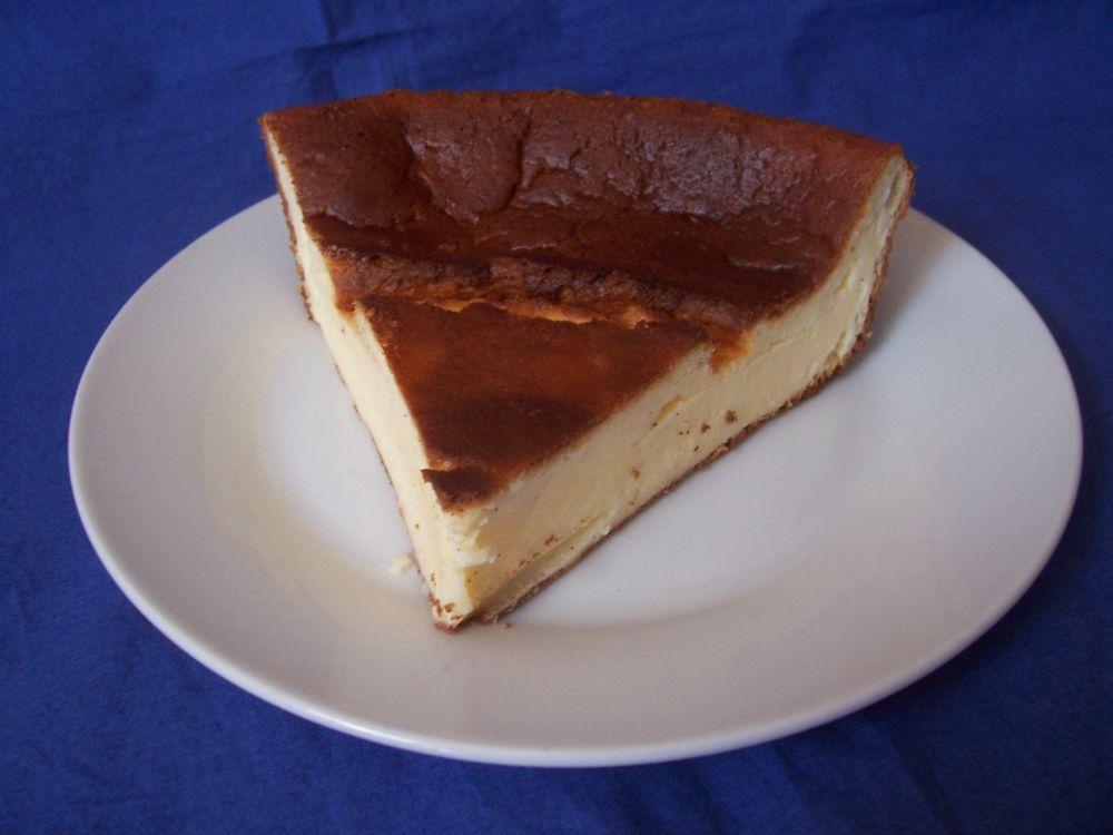 Mon gâteau au fromage blanc a pris un peu trop de couleur , mais il était délicieux.