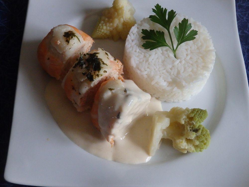 Paupiettes de saumon et lingue sauce au fromage