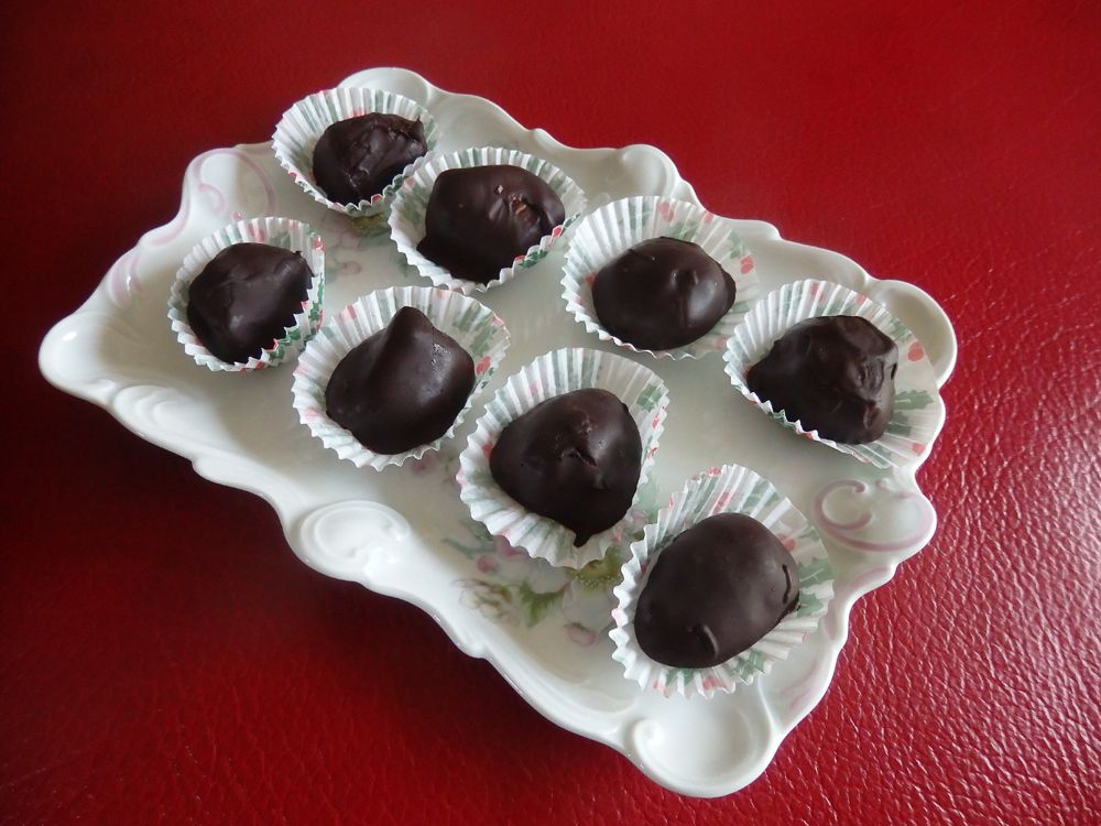 Bouchées au chocolat, caramel à la noisette et au Calvados