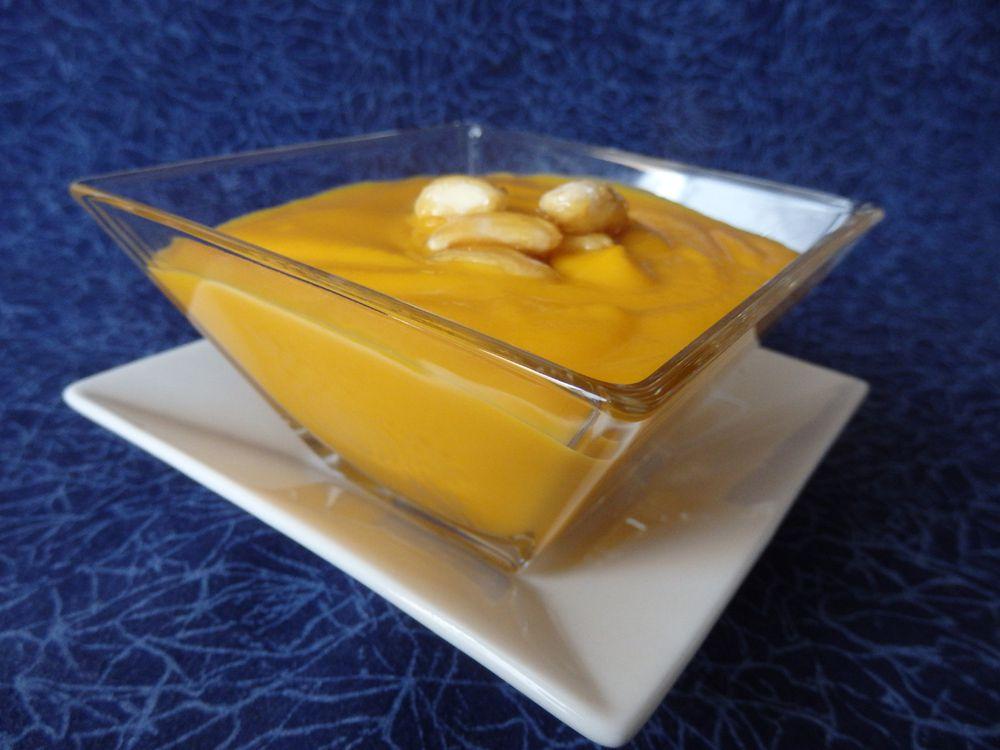 Velouté de potimarron aux amandes caramélisées