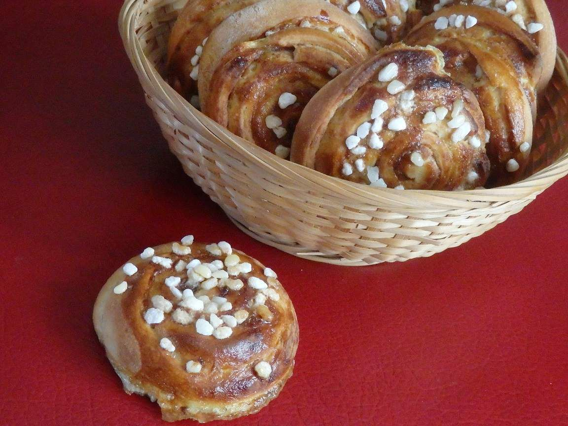 Skillingsbollers (brioches à la cannelle & cardamone)