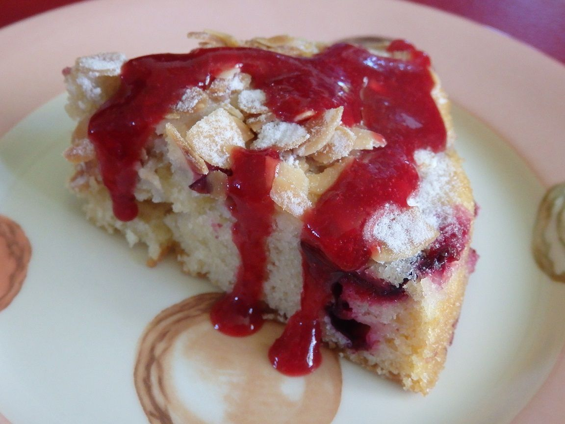 Gâteau renversé aux quetsches et coulis de quetsches