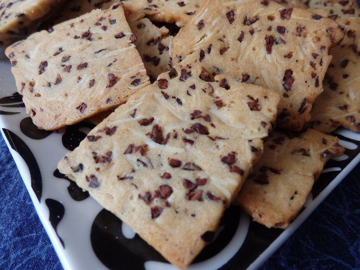 Biscuits amandes et grué de cacao