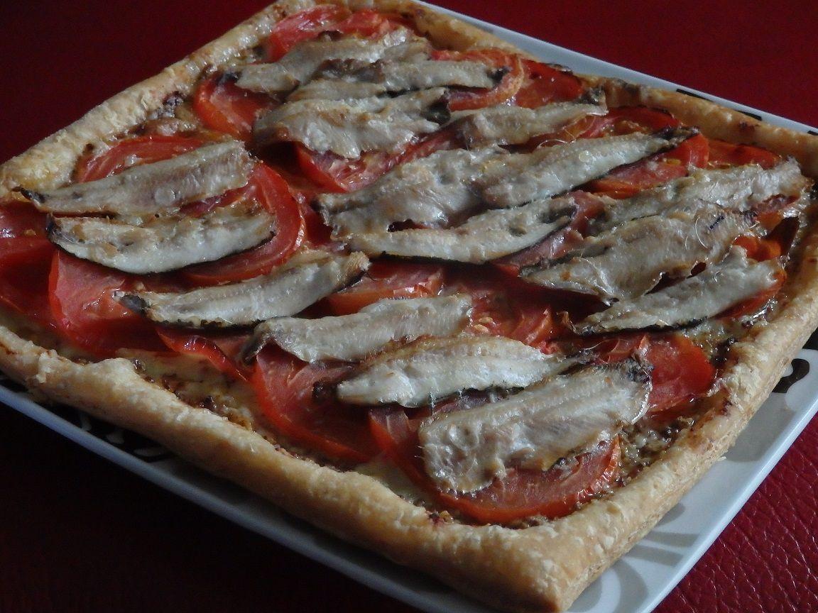 Tarte fine aux tomates, moutarde au Piment d'Espelette et filets de sardine