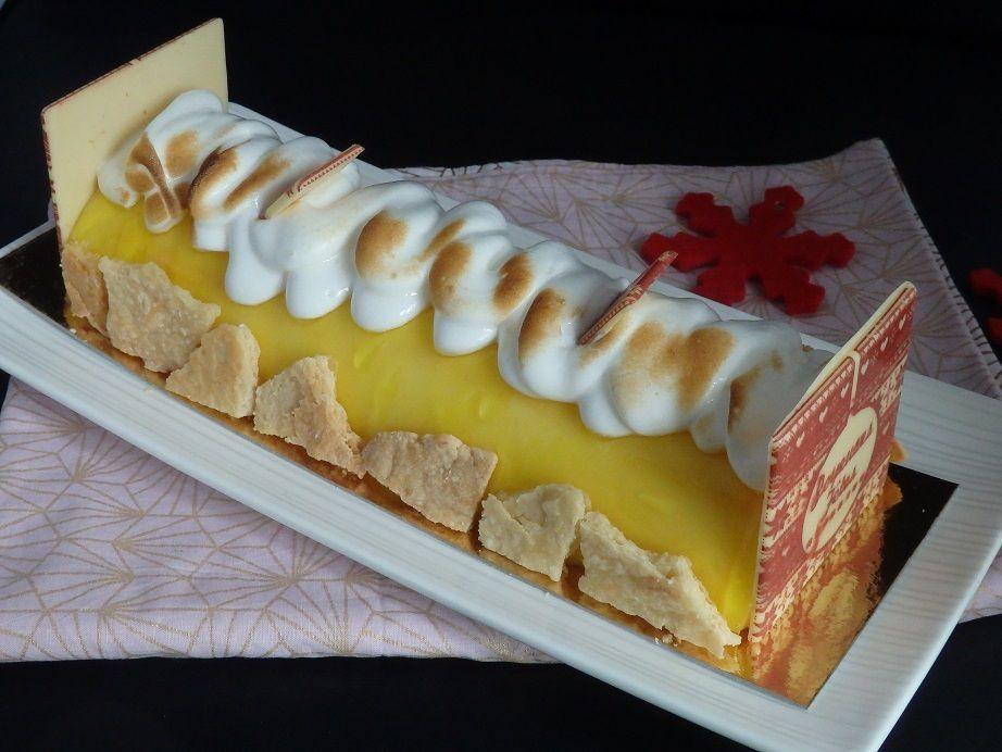 Bûche de Noël tarte au citron meringuée