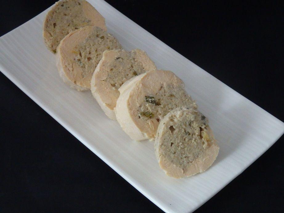 Ballotin de poulet farci au Chaource, champignons et blanc de poireau