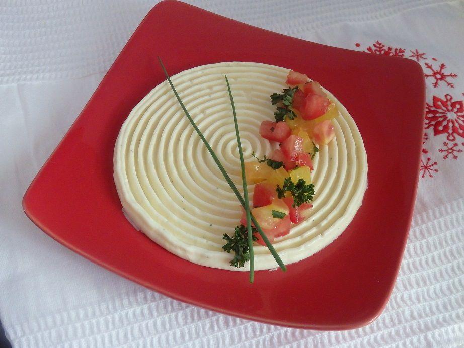 Panna cotta au parmesan et tartare de tomates