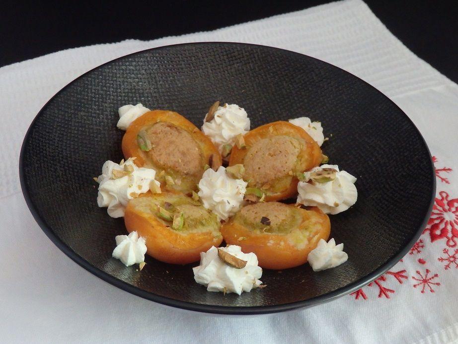 Abricots farcis au four