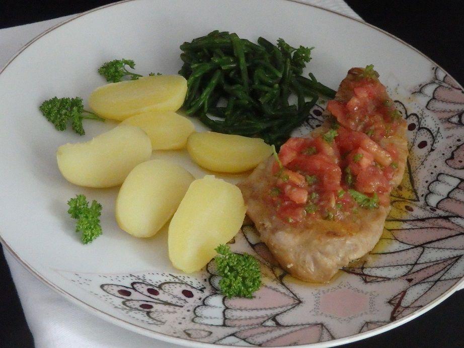 Thon rouge , sauce vierge et salicornes