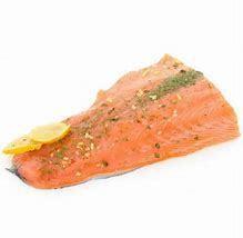 Dos de saumon et sauce au roquefort