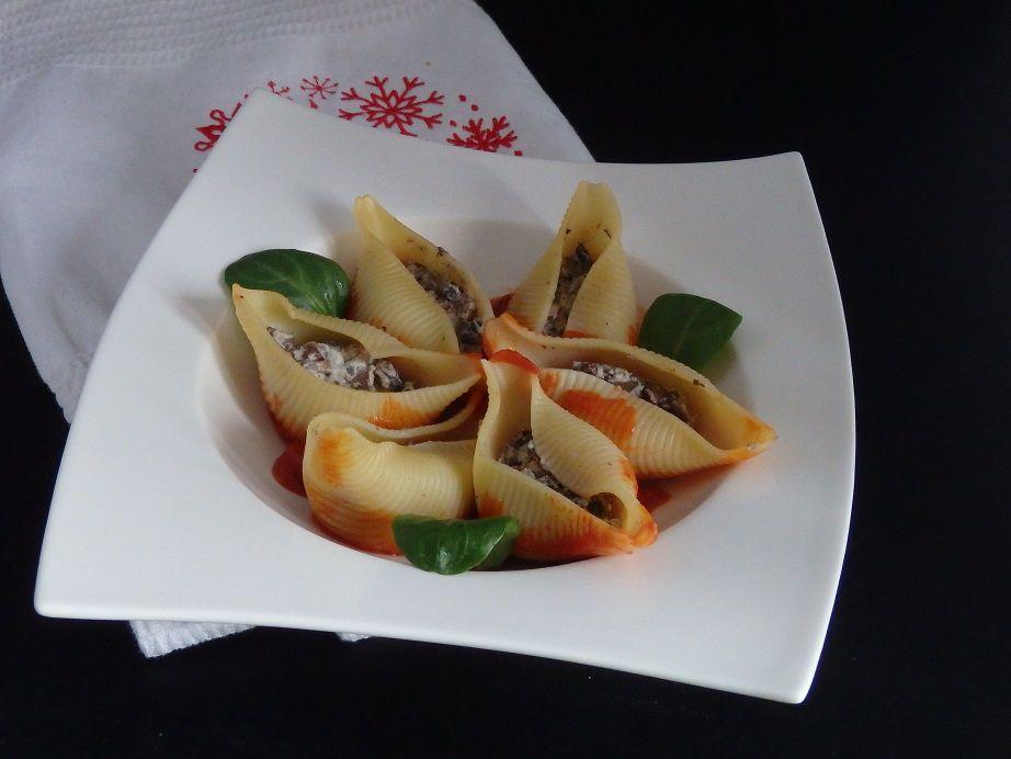 Conchiglioni farcis aux champignons et roquefort