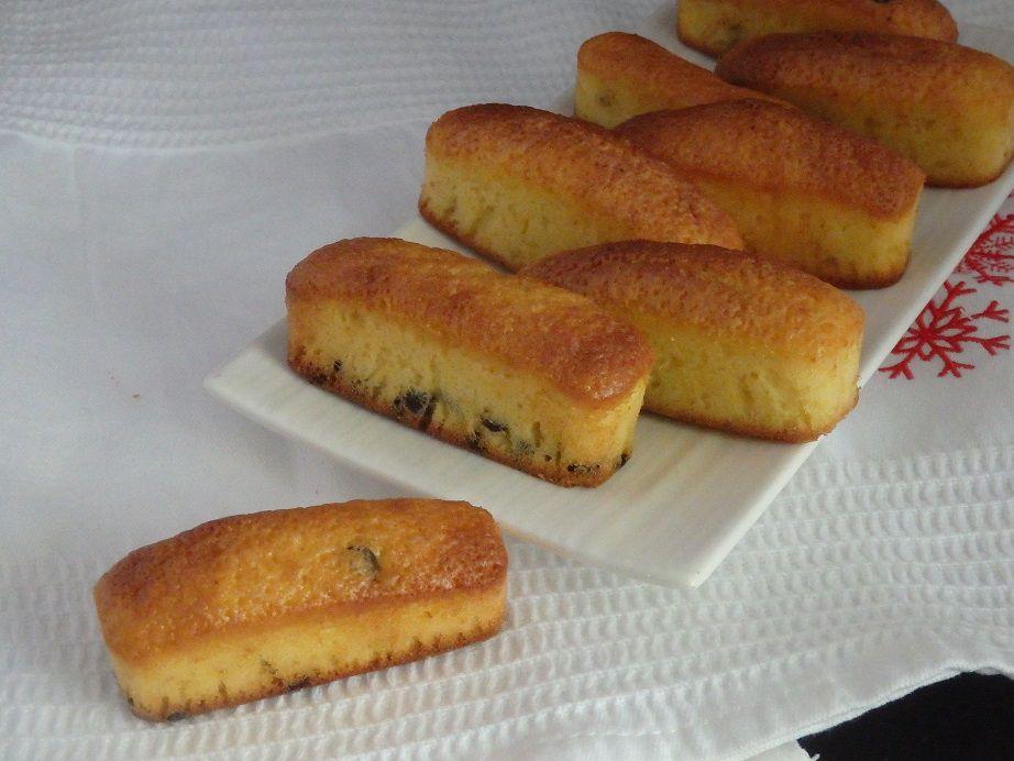 Petits cakes au citron et aux pépites de chocolat noir