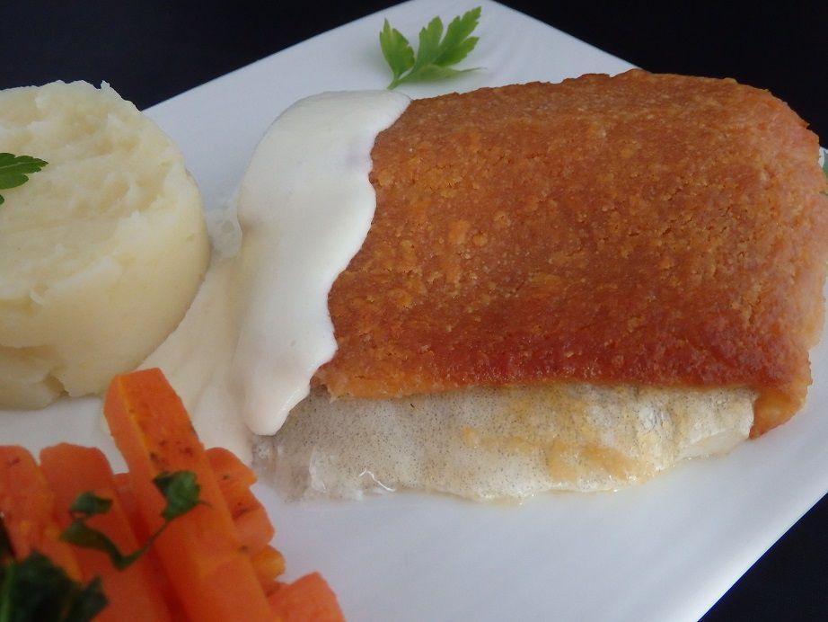 Filet de sandre en croûte de lomo à la crème d'ail