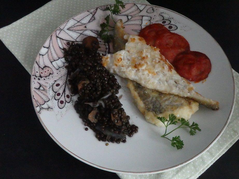 Filet de colin, lentilles beluga et chorizo