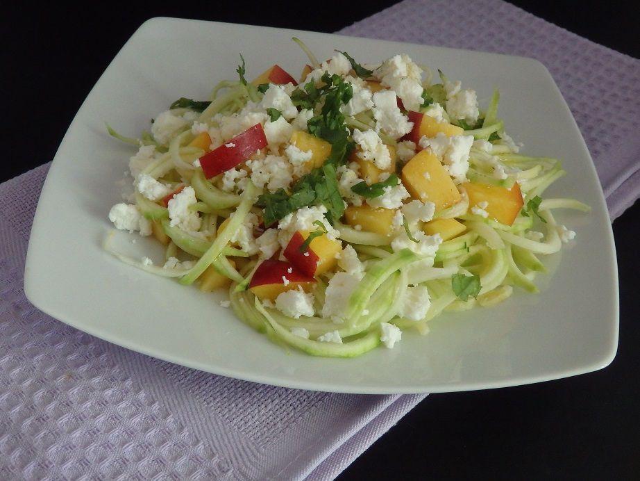 Salade de courgettes, nectarines, menthe et feta
