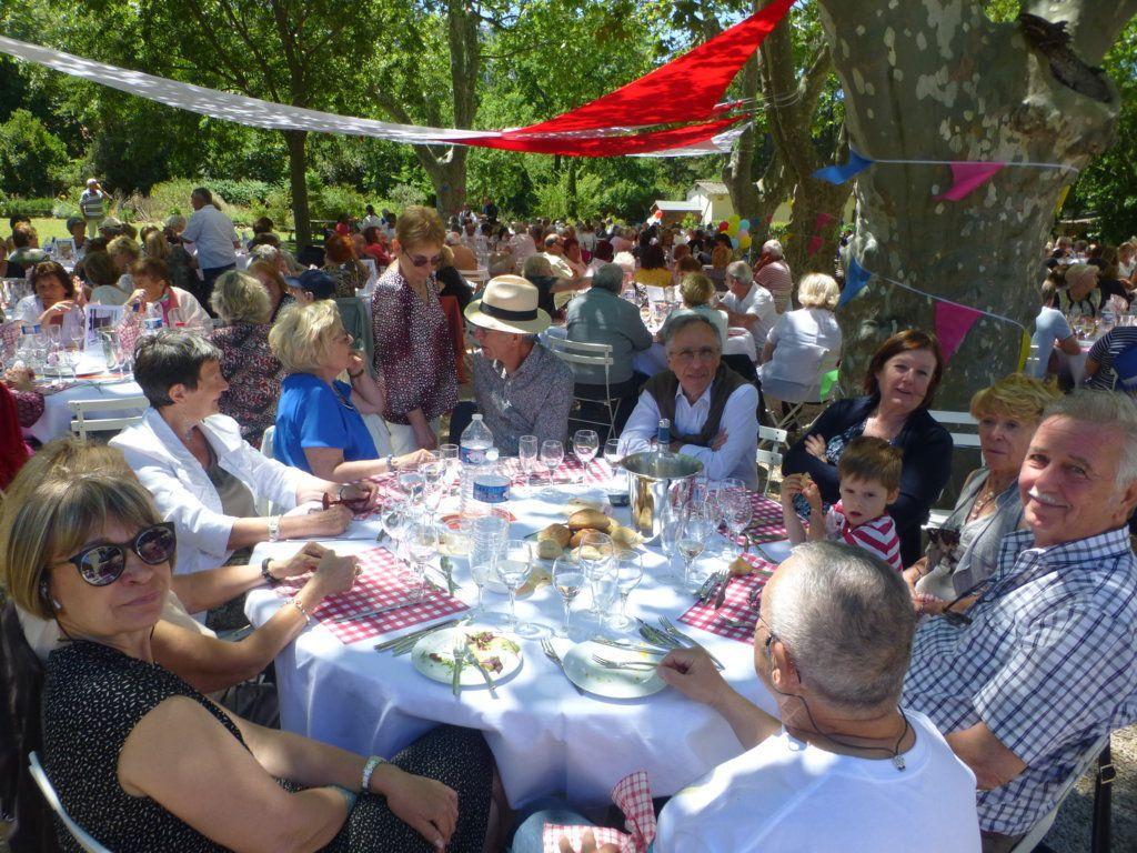 Repas des Ainés à Pastré!