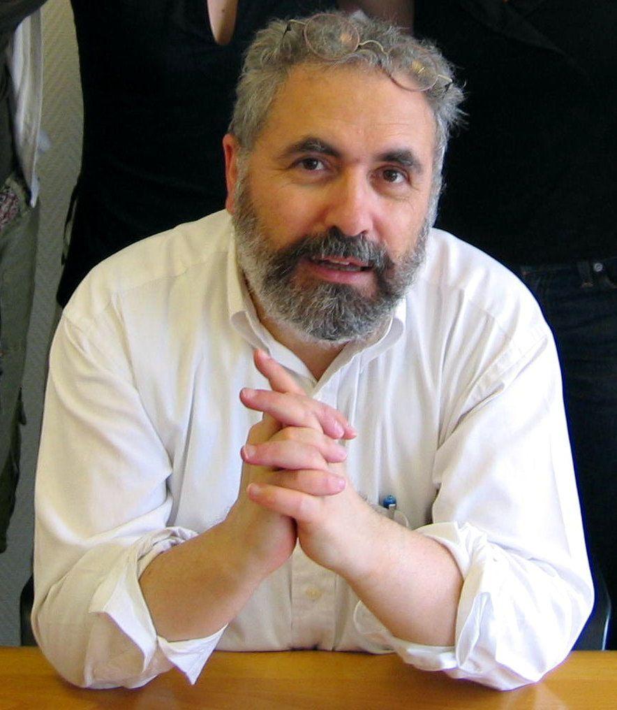 Michel Gurfinkiel est, entre autres choses, le président de l'Institut  Jean-Jacques Rousseau (The Jean Jacques Rousseau Institute), un institut européen d'études et de recherches spécialisé dans les questions stratégiques et géopoliques. Il est également Shillman/Ginsburg Fellow au Middle East Forum.
