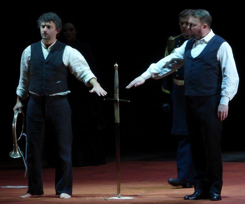 Jonas Kaufmann (Lohengrin) - Evelyn Herlitzius (Ortrud) - René Pape (Le Roi) - Tomasz Konieczny (Telramund)