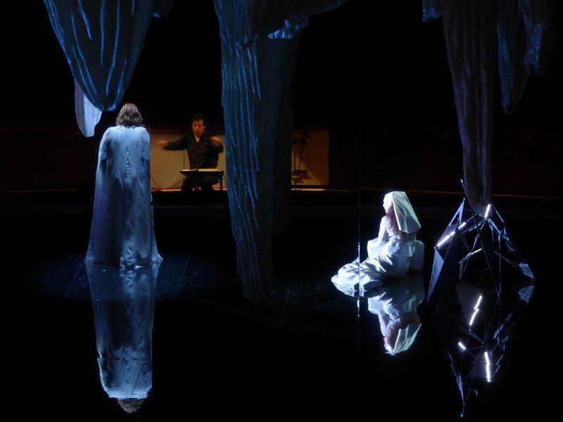 Ann Petersen (Isolde), Alain Altinoglu et Nora Gubisch (Brangäne)
