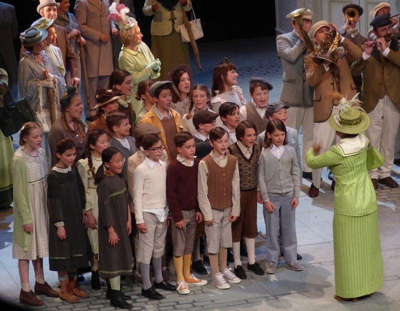 Der Junge Lord (Filler-Hyman-Sprague-Naidu-Celeng-Bramall-Fassbaender) Staatstheater am Gärtnerplatz