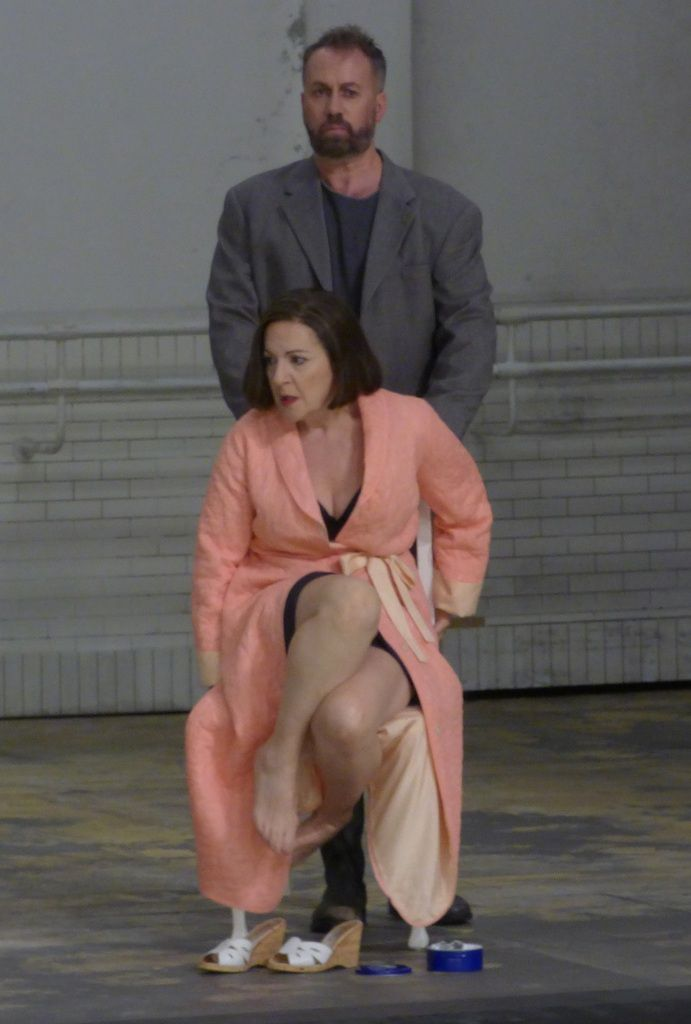 Robin Adams (Prinz von Homburg) et Helene Schneiderman (Die Kurfürstin)