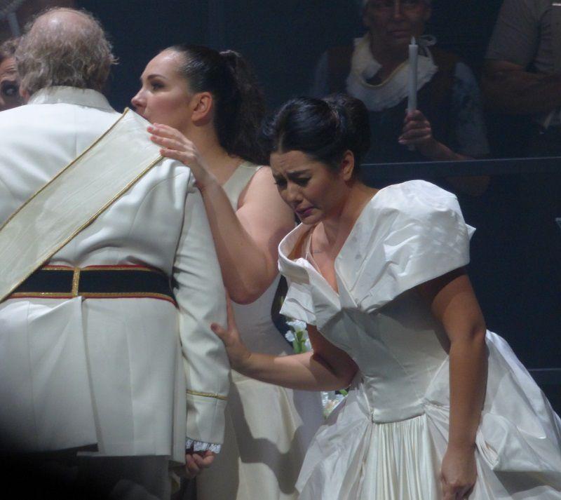 Goran Jurić (Philippe II), Ksenia Dudnikova (Eboli) et Olga Busuioc (Elisabeth)