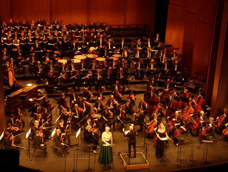 Le Rotterdams Philharmonisch Orkest, le Rotterdam Symphony Chorus et la Maîtrise de Radio France