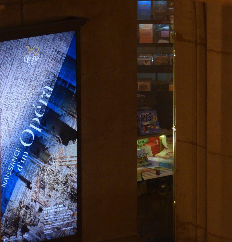 Vue sur la librairie du Palais Garnier