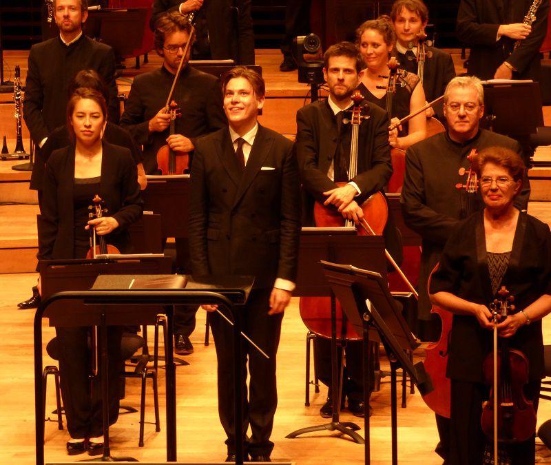 Klaus Mäkelä et les musiciens de l'Orchestre de Paris