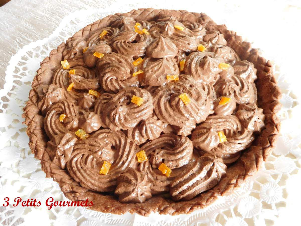 Une tarte à la mousse au chocolat et à l'orange-curd... un délice.
