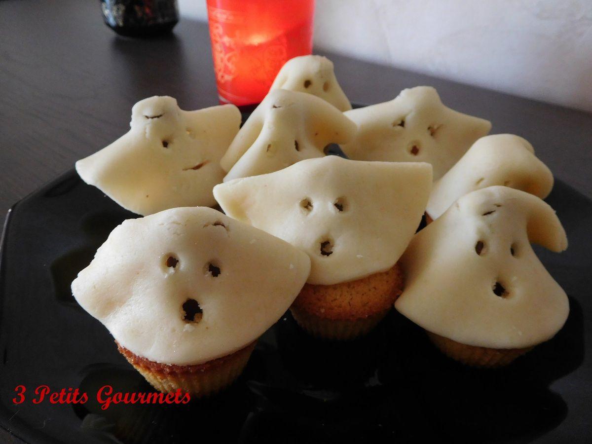 Des jolis fantômes qui cachent un peu de chocolat sous leur drap en pâte d'amande