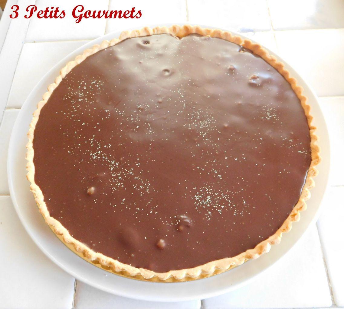 Tarte chocolat-caramel et noisettes, amandes...