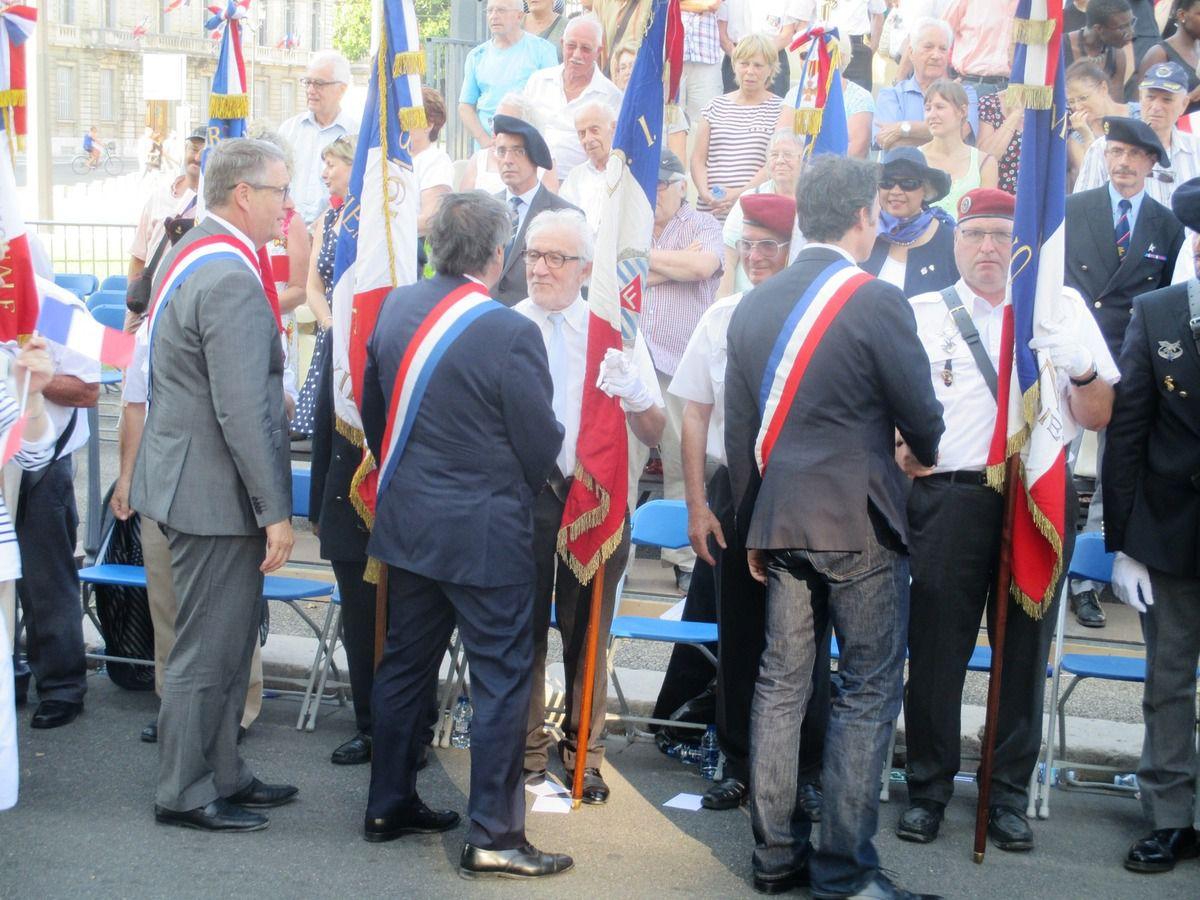 Légion d'honneur pour notre camarade Antoine Sanchez ; quelques images sur le défilé