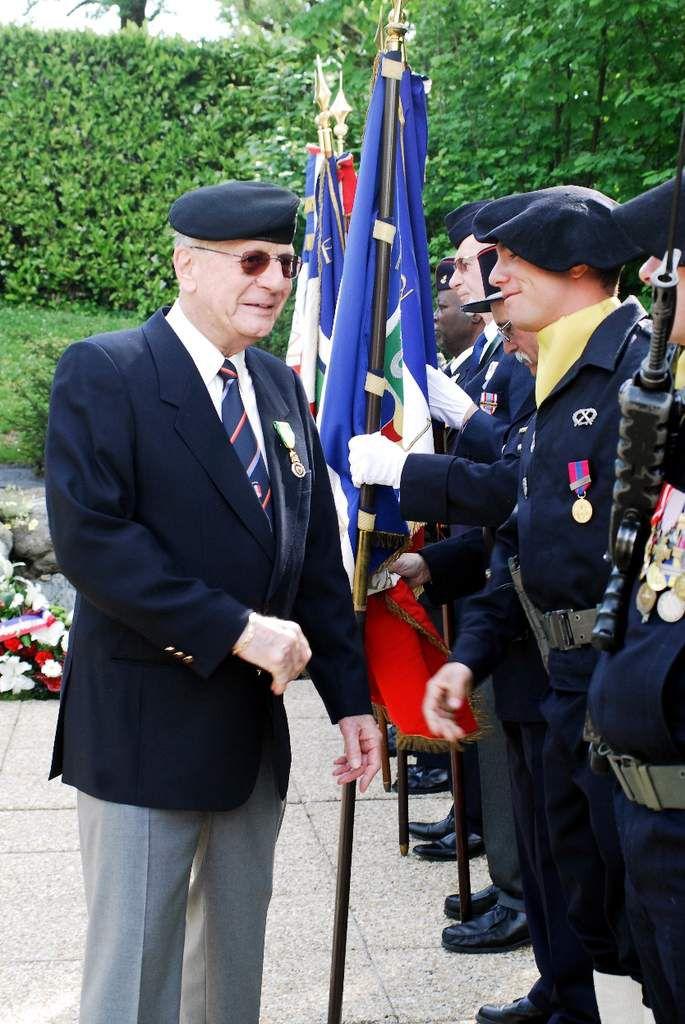 Célébration du 8 mai 1945 à Meylan , plus de photos