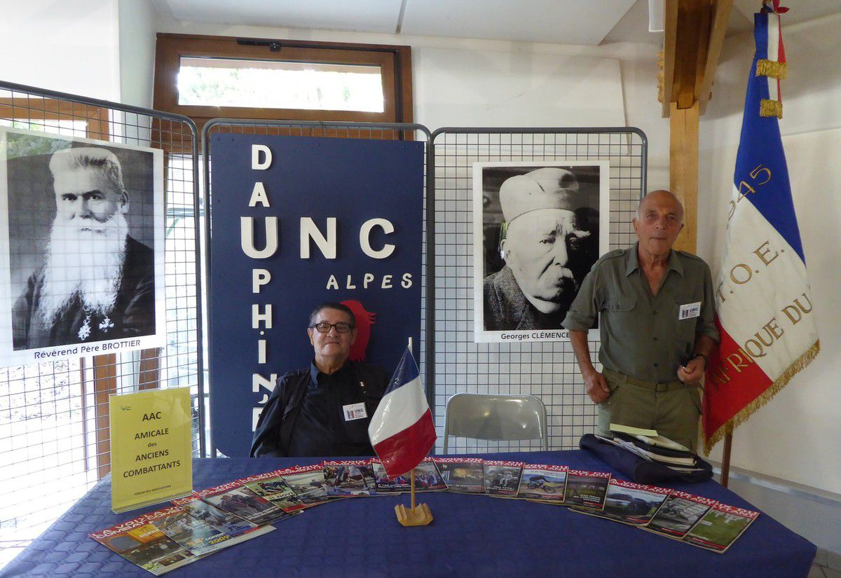 L'UNC Alpes Dauphiné au forum des Associations de Biviers