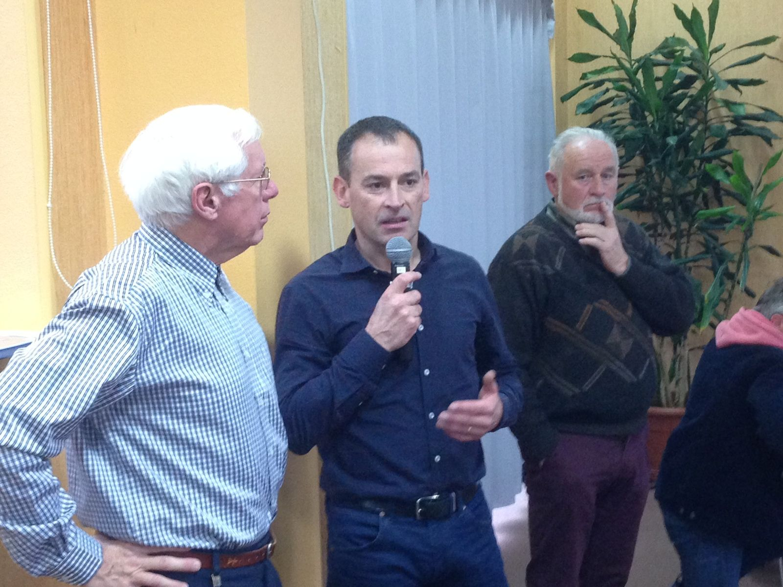 Aux côté de Dominique, Yannick BLANCHARD et JC HARZO, vice présidents du COSFIC.
