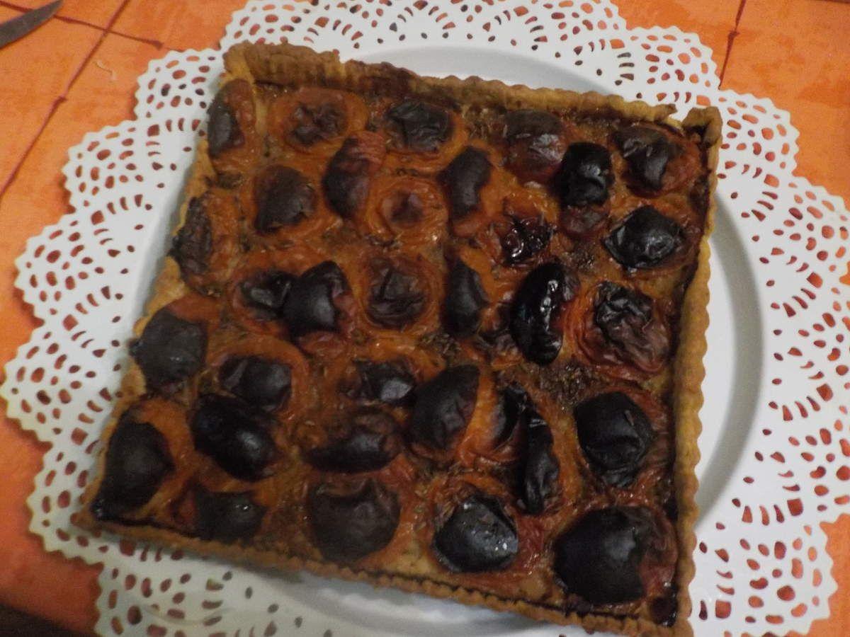 Une tarte au   fruit de saison : ABRICOT et lavande .