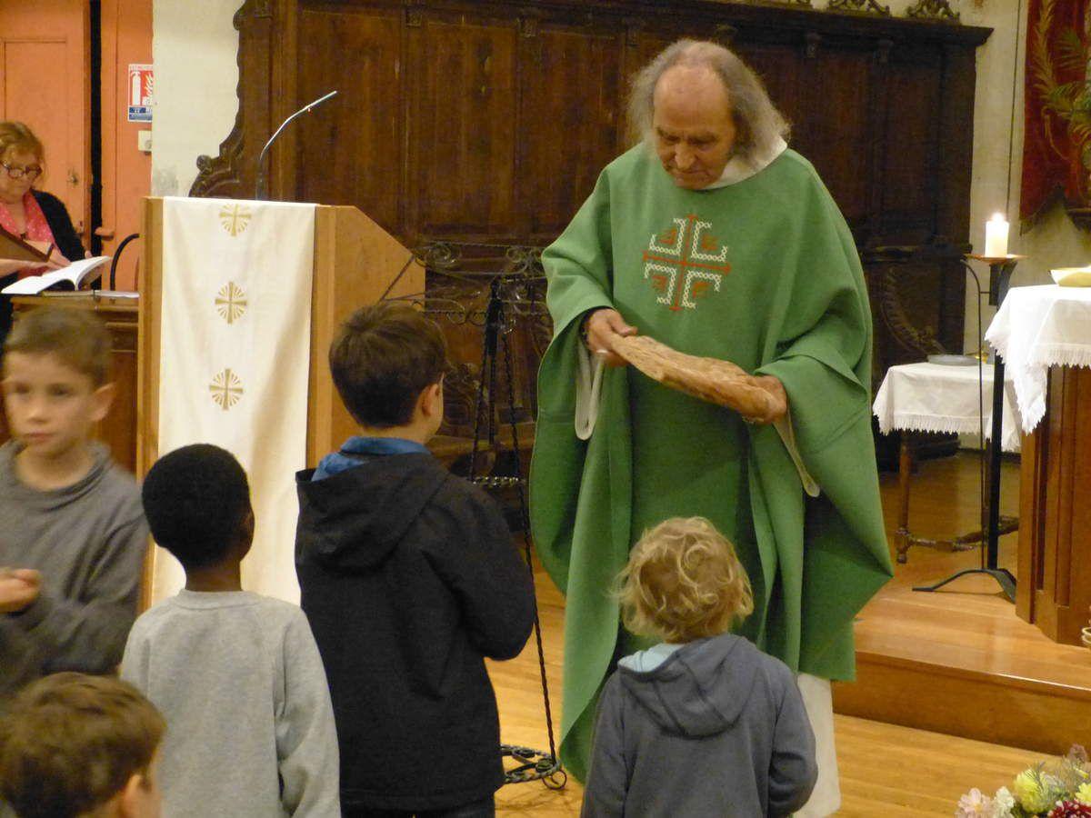 Passage du Père GUY GILBERT à Billiers, quelques photos.