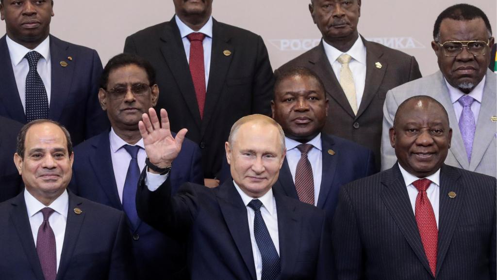 Sommet de Sotchi: Poutine drague l'Afrique et fait des jaloux