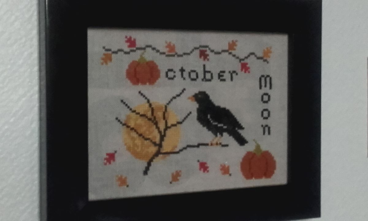 Point de croix : October Moon