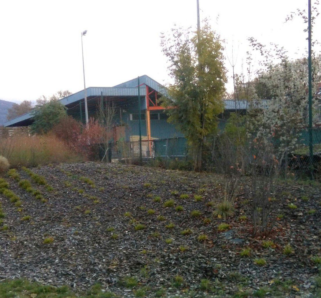 Depuis le parc Flaubert : ancienne gare de triage devenue la Bifurk ( plage de Grenoble)