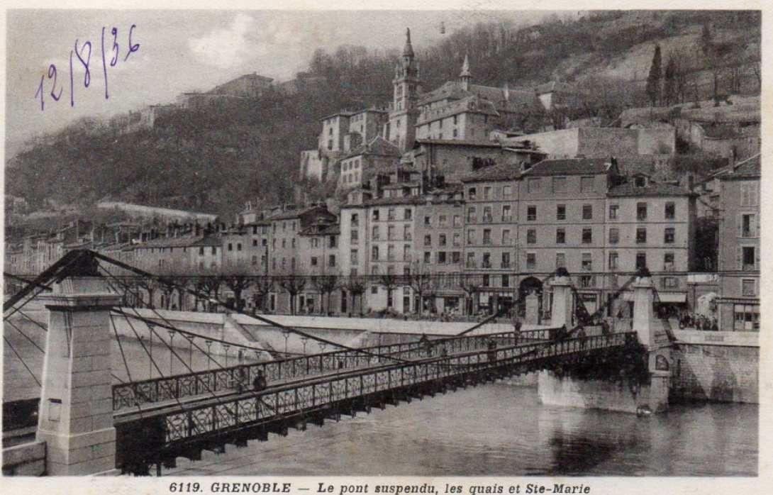 Dernier pont suspendu grenoblois reliant quartier St Laurent au reste du centre historique. Il est devenu piéton depuis le début des années 70