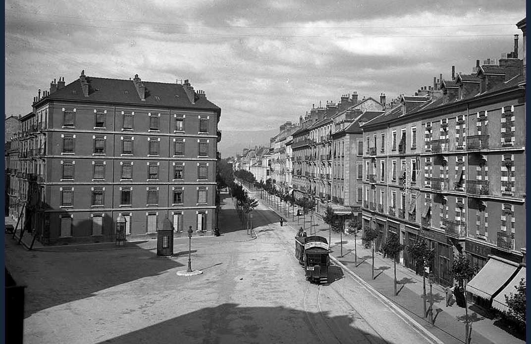 Rue de Turenne et place Championnet