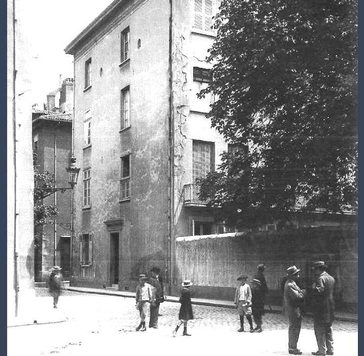 Angle rue Créqui - rue de la Poste