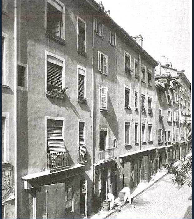 Immeubles rue de Bonne rasé vers 1900 pour élargirla rue Felix Poulat